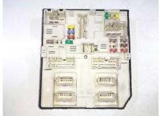 Recambio de caja reles / fusibles para nissan nv 400 l2h2 3,3t pro referencia OEM IAM 284B64474B 519542F07 3705437167