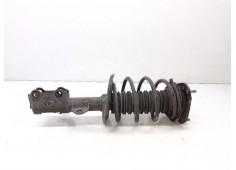 Recambio de amortiguador delantero derecho para toyota auris touring sports (e18) hybrid active referencia OEM IAM