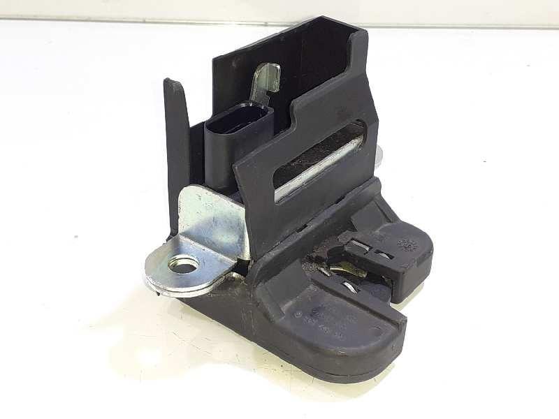 Recambio de cerradura maletero / porton para volkswagen golf v berlina (1k1) gti referencia OEM IAM 1K6827505C 3C9827645