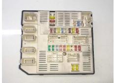 Recambio de caja reles / fusibles para renault megane iii sport tourer privilege referencia OEM IAM 284B61871R 519339402 9639016