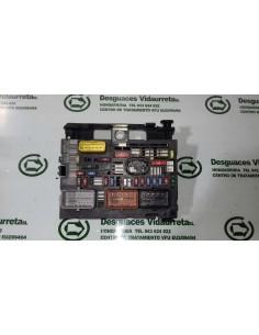 Recambio de caja reles / fusibles para peugeot 308 sw 1.6 16v e-hdi fap referencia OEM IAM 9675878480 57767957 R0500